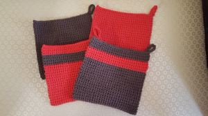 Lily Sugar'n Cream Warm Brown and Red Potholders